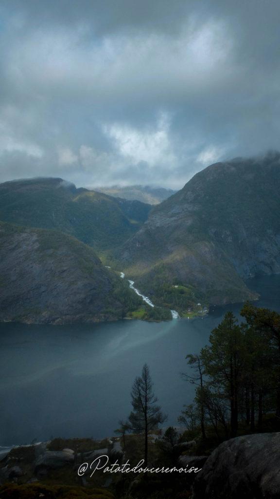 Randonnée cascade langfoss