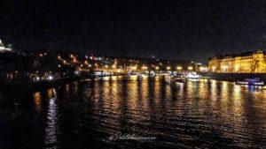 pont prague de nuit